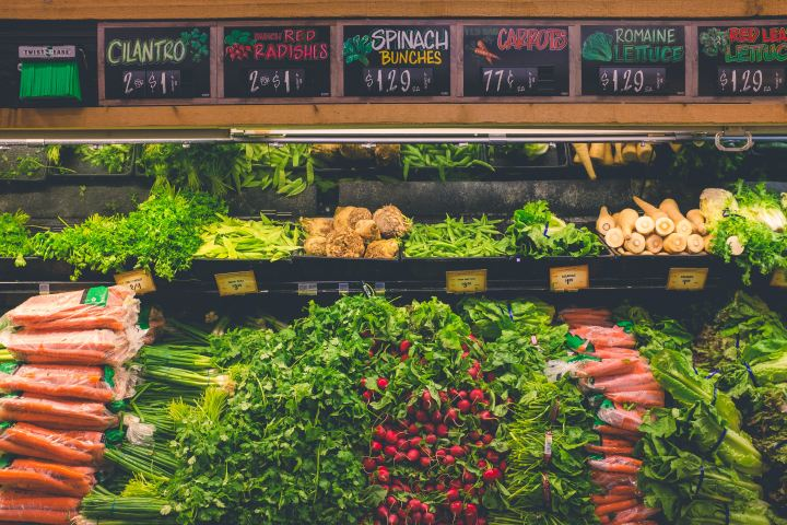 50 Tried & True Ways to Spend Less onGroceries